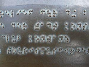 Brailletafel in Bronze